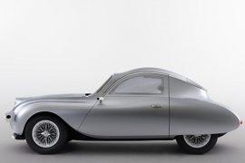 VIDEO: Presentan un concepto de coche eléctrico 'retro' con un panel futurista que se hace 'transparente'